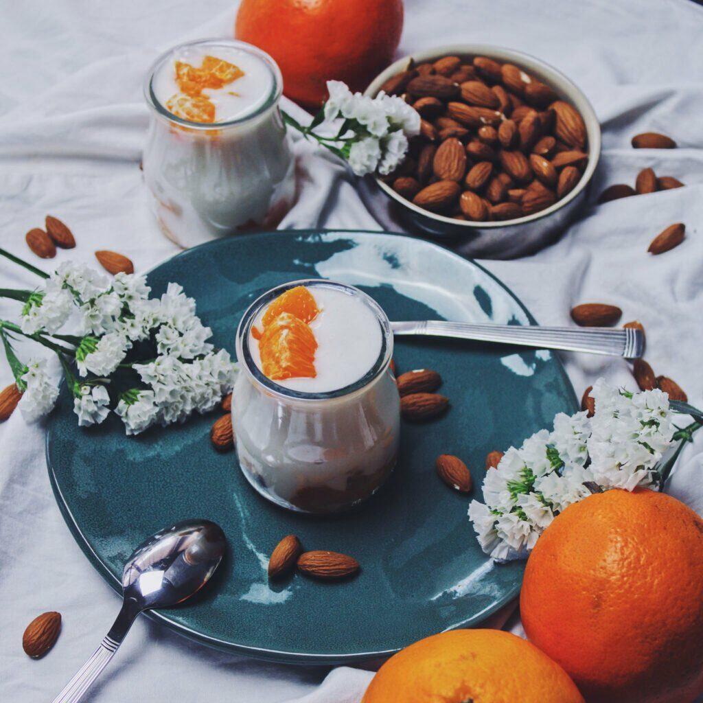 Un yaourt végétal à la saveur unique et puissante qui se marie particulièrement bien avec l'amande.