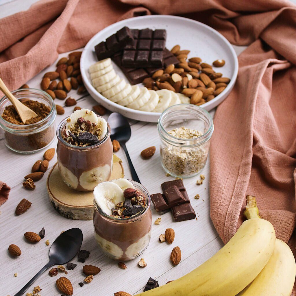 Un brassé végétal au chocolat et des bananes qui fraîche s'allient pour un donner un super yaourt plein de goût !